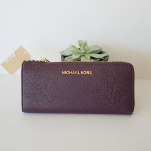 MICHAEL KORS Jet Set Travel Three Quarter Wallet